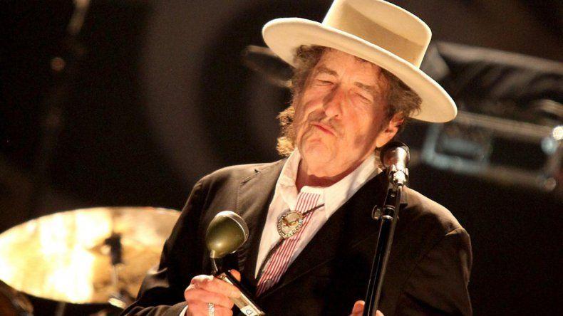 Bob Dylan no hizo alusión a su distinción ni en sus conciertos.