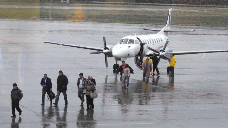 Los 19 pasajeros del vuelo inaugural desde Neuquén arribaron a Chile cerca de las 15 y luego a las 18 de regreso a Neuquén. Habrá 4 frecuencias semanales.
