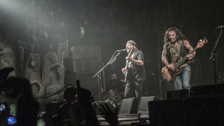 La popular banda liderada por Chizzo copó el estadio del oeste con su potencia y sus hits