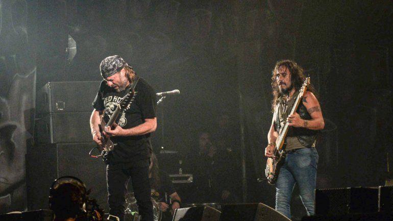 La popular banda liderada por Chizzo copó el estadio del oeste con su potencia y sus hits.