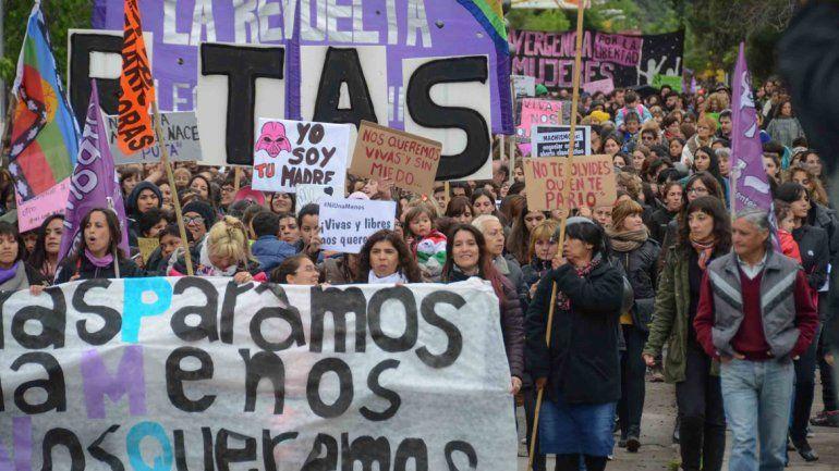 Ni una menos y Vivas nos queremos fueron algunas de las consignas enarboladas por las miles de personas en las marchas que tuvieron lugar este año.
