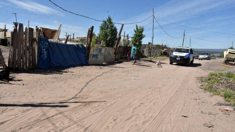 La casa donde ocurrió el crimen se encuentra en la toma 2 de Mayo. Hasta esa vivienda se trasladó el asesino para matar a la actual pareja de su ex.