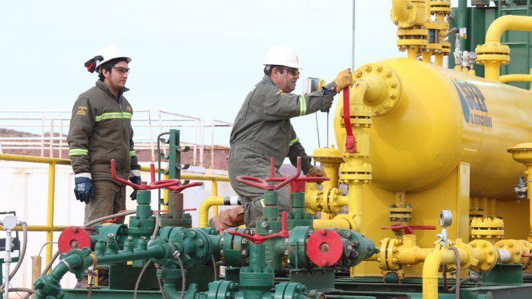 Petronas pasaría a desarrollo masivo en La Amarga Chica