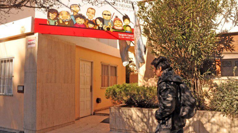 La casa que alquila la Defensoría está ubicada en la calle Sargento Cabral