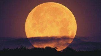 El lunes se verá en Neuquén la luna más grande de los últimos 68 años