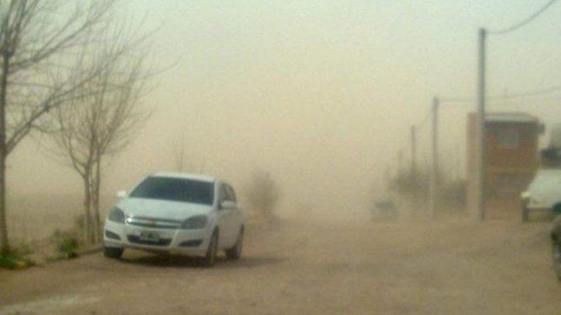 Emiten alerta por vientos fuertes en el Alto Valle y la cordillera