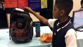 nene de 11 anos diseno una mochila antibalas para vivir tranquilo