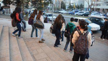Según la ministra de Educación, Cristina Storioni, los estudiantes secundarios demandan una mejor enseñanza.
