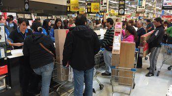 miles de neuquinos viajaron a chile en plan de compras