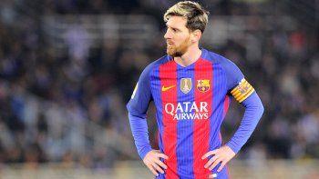 Messi anotó su gol número 200 en el torneo español, pero su equipo está perdiendo terreno en la cima.