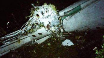 cayo el avion de chapecoense en colombia: hay 71 muertos