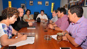 El ministro Brillo, durante su reunión con el intendente y su gabinete.