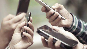 La telefonía celular y los servicios financieros lideran los reclamos.