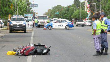 un motociclista resulto herido tras un choque en la ruta 22