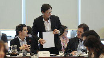 el oficialismo logro dictamen de su proyecto de ganancias