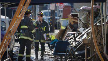 Temen que debajo de los escombros haya más víctimas fatales.