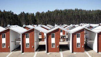 En lugar de hacer viviendas precarias, hicieron la mitad de una mejor.