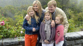 un clasico: la familia real de holanda tambien eligio villa la angostura para recibir el 2017