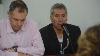 La fiscalía indicó que Ramón Romero (derecha) limpió la escena del crimen con lavandina.