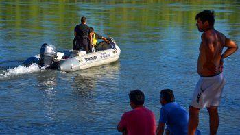 extienden hasta la isla jordan la busqueda del joven que desaparecio al cruzar el limay