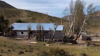 El establecimiento educativo está a 40 kilómetros de Piedra del Águila.