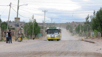 Las calles de tierra y la falta de riego son un problema para los vecinos de ese sector de la ciudad.