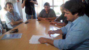 Gobierno y estatales firmaron acuerdo por el bono de $3500