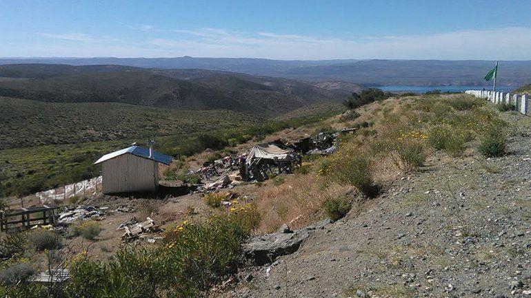 Un grupo de personas reconstruyó la casa del ermitaño de Collón Cura