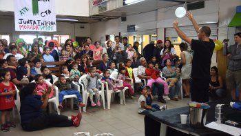 Celebración por la Navidad: regalos y sonrisas para los más chicos en el hospital Castro Rendón