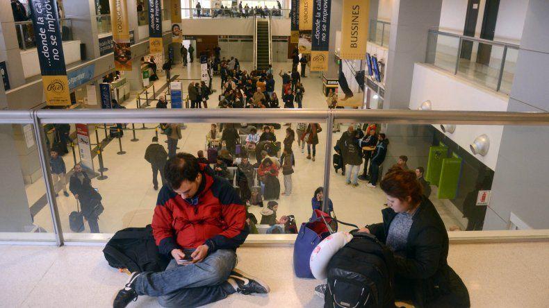 Obligan a todos los aeropuertos a dar Wi-fi gratis