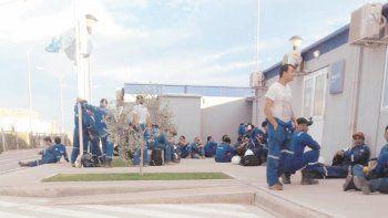 petroleros denuncia a una empresa por no reincorporar trabajadores trabajadores que no fueron reincorporados