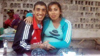 Gabriel Herrera, de 39 años, había recibido la visita de Andrea Neri, de 18, quien le había llevado al bebé de ambos, de un mes, para que lo conociera.