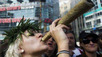 convocan a fumar marihuana durante la asuncion de trump