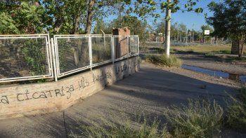 La esquina de la Escuela 354, en Almafuerte, fue la escena del crimen ocurrido el sábado cerca de las 19.