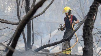 centenario: bomberos combatieron 4 incendios en menos de 24 horas