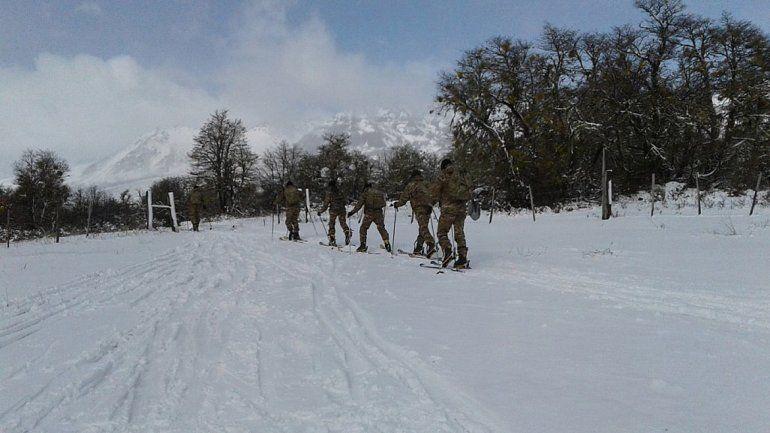 Un militar murió y dos están muy graves tras un desprendimiento de rocas en el Lanín