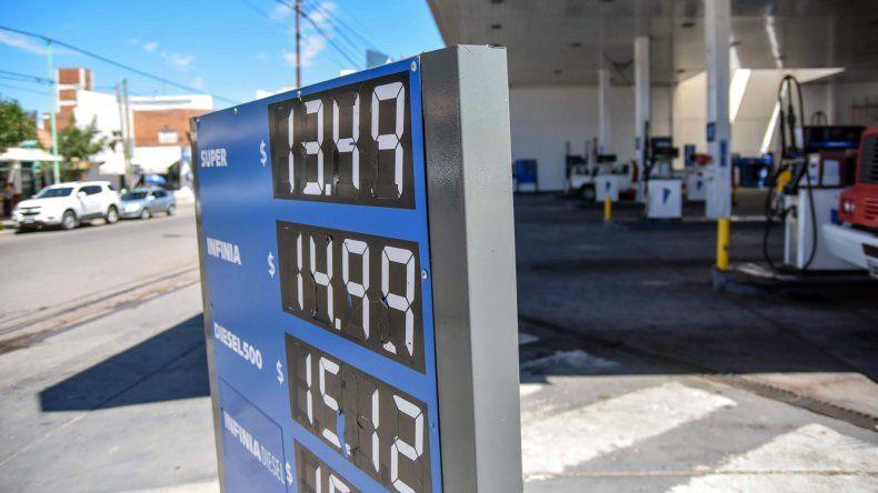 El aumento de las naftas aún no llegó a Neuquén