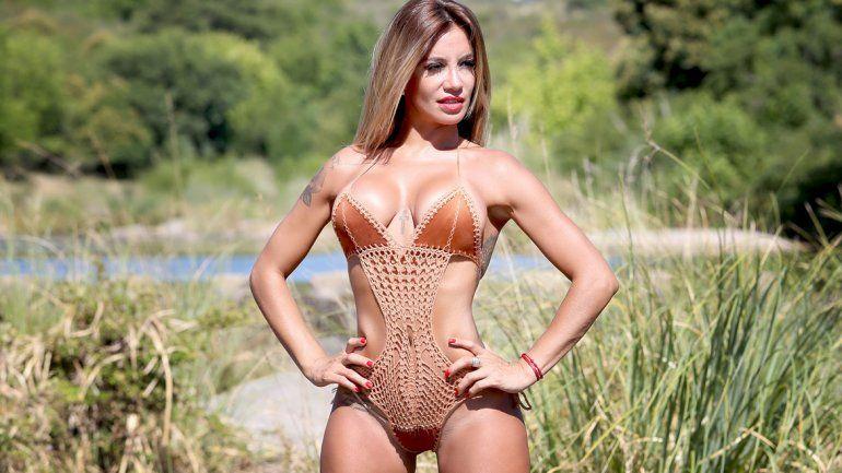 Claudia Ciardone, una bomba en las sierras