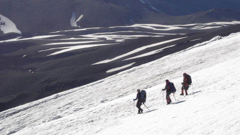 Aseguran que los sismos en el volcán Lanín podrían estar asociados a avalanchas