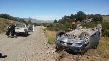 un turista resulto herido en un vuelco cerca de junin