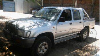 viajo hasta san luis para comprar una camioneta hilux pero resulto ser robada