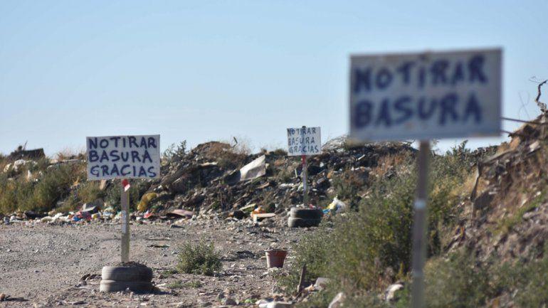 La Municipalidad controla para evitar que se arroje basura en zona de La Meseta