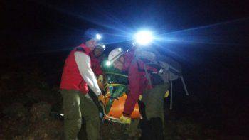 tras nueve horas, rescataron a otro andinista en el lanin