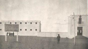 En 1911, cuando inauguraron los dos primeros pabellones, la cárcel no contaba con una muralla perimetral.