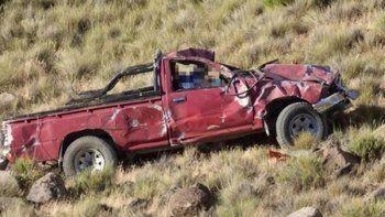 domingo tragico:  dos muertos en las rutas neuquinas