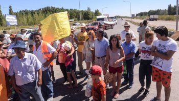 Vecinos cortaron la Ruta 22 tras enterarse de la muerte de Roberto Maier.