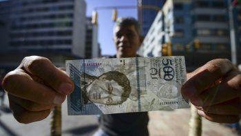 La crisis venezolana crece día a día. ¿Calmarán estos billetes?