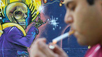 El tabaco está cada vez más instalado en los grupos más vulnerables, dice la OMS en un informe conjunto con el Instituto Nacional del Cáncer de EE.UU.