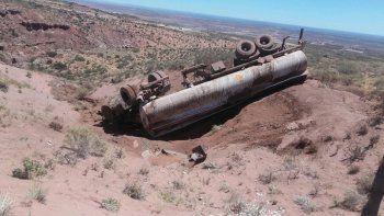 dos operarios de la empresa oil estan muy graves tras un terrible vuelco