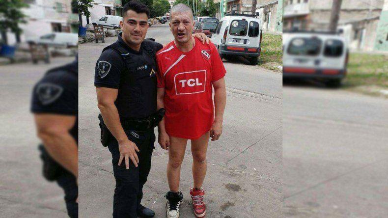Otra del Pity: lo encontraron caminando desnudo por la calle